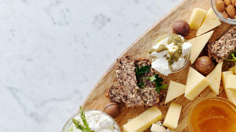 Come abbinare i formaggi stagionati e freschi