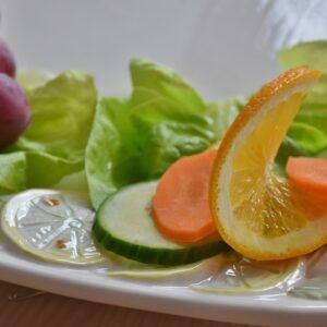 Insalata con finocchi freschi, arance e olio EVO